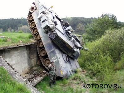 три танкиста выпили по триста слушать